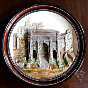 Старинная настенная тарелка «Римская арка»